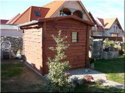 Maison jardinière en bois