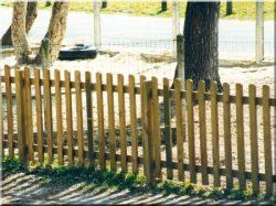 Clôture, éléments de clôture en pin
