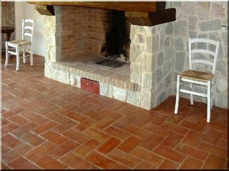 Terrakotta feles padlóburkolat