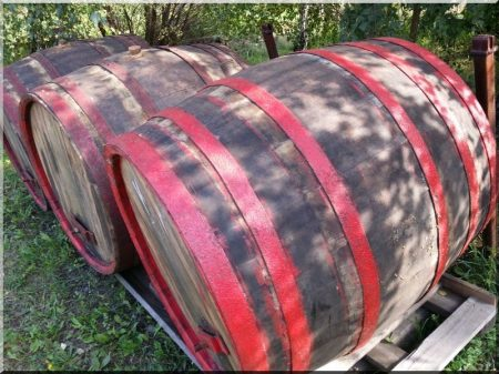 Weinfässer aus Akazienholz