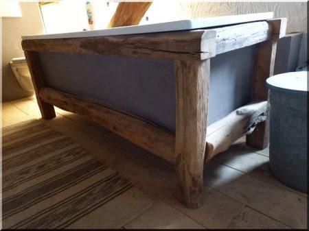 Support de bain, meubles sur poutre