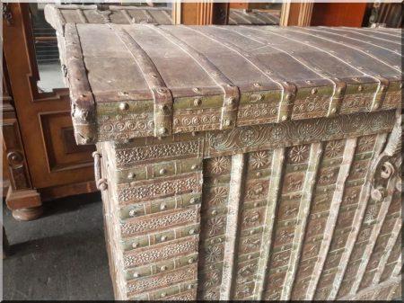Indiai bútor, nagy méretű láda