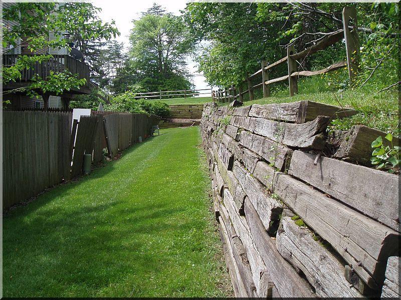 Construction De Mur De Soutnement  Planches DAcacia Vieux Linteau