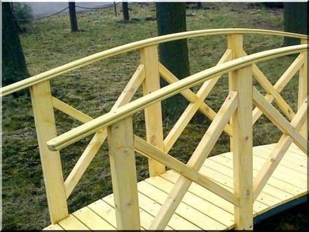 Dóra wooden bridge