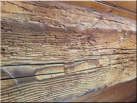 Antik fa felülete