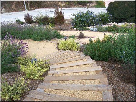 Kerti fa lépcső -