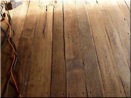 Padló antik fából -