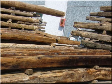 Öreg, bontott faanyagok -