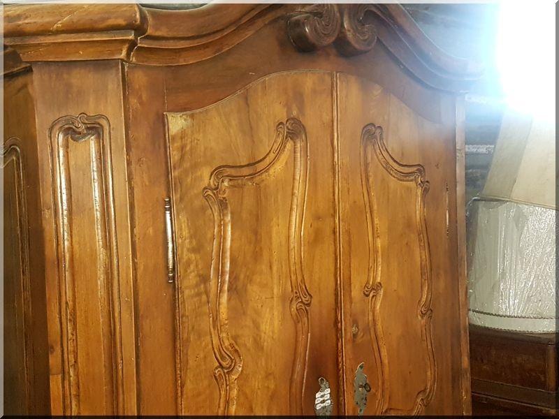 antik szekrények