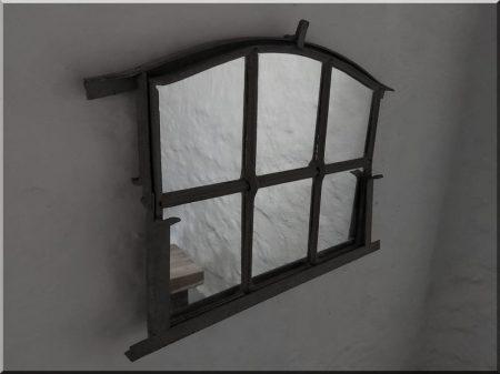 Tükör, gépi kovácsolt vas keretben