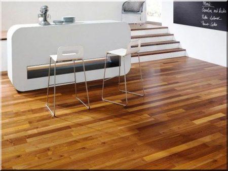 Narrow acacia plank (carpenter)