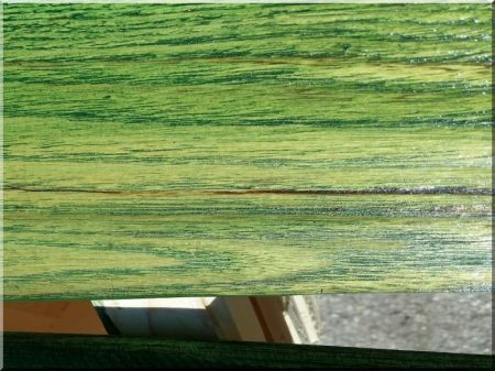 Elément de clôture d-acacia avec du bord, fin