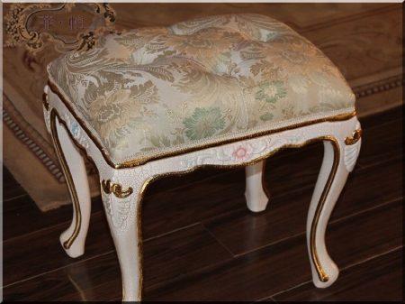 XIV- ik Lajos stílusú antik bútorok