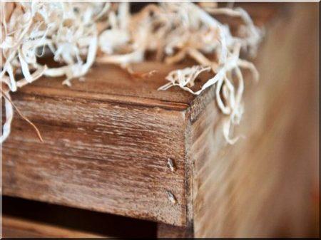 Bútor antik faanyagból