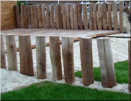 Debarked, sanded acacia pole 10 - 14 cm diam.