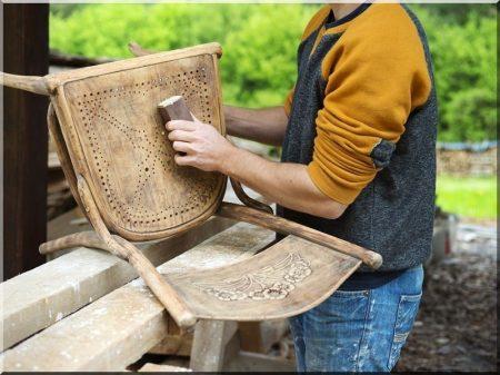 Renovierung antiker Möbel