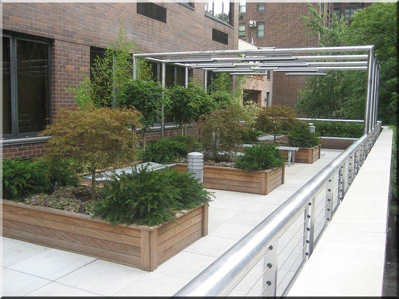 bo te fleurs en bois planches d 39 acacia vieux linteau grilles et pergolas pour les fleurs. Black Bedroom Furniture Sets. Home Design Ideas