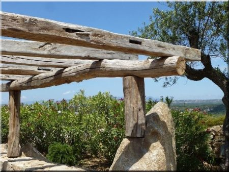 Pergola en bois de toiture démoli