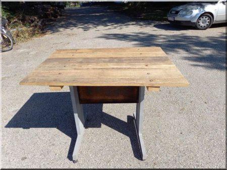 Table, loft style