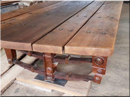 Asztal, pajtabútor