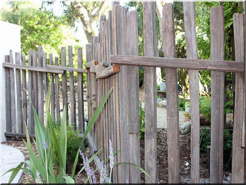 clôture rustique - Planches d\'acacia Vieux linteau Grilles ...