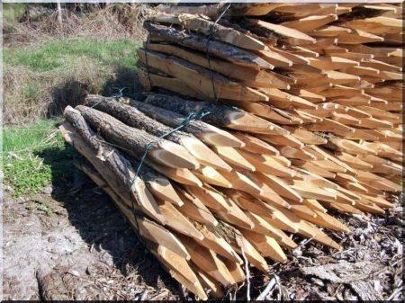 Acacia stake, 1,5 m long, natural