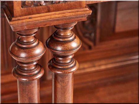 Viktoriánus stílusú antik bútorok -