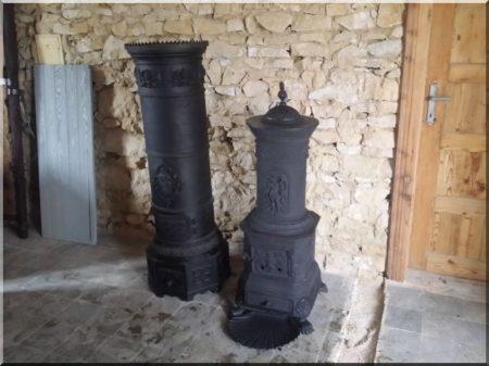 Kleiner antiker Ofen