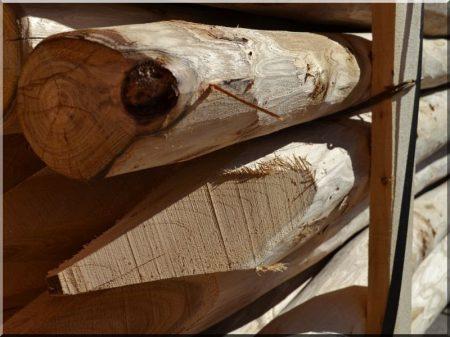 Kérgezett akác oszlop, 2,5 méteres, 9 - 11 cm