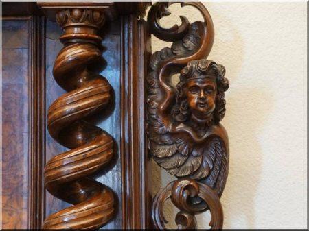 Barokk stílusú antik bútorok