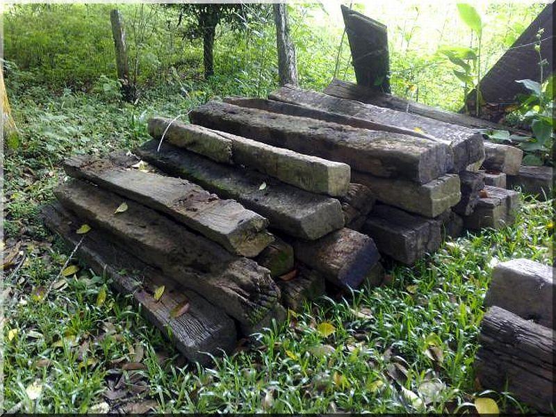 Kerti lépcső vasúti talpfákból - Antik bútor, egyedi natúr fa és ...