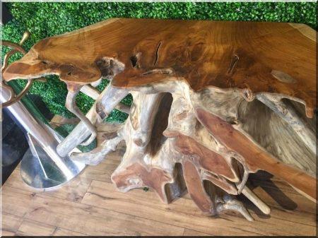 Organikus, natúr fa típusú bútorok