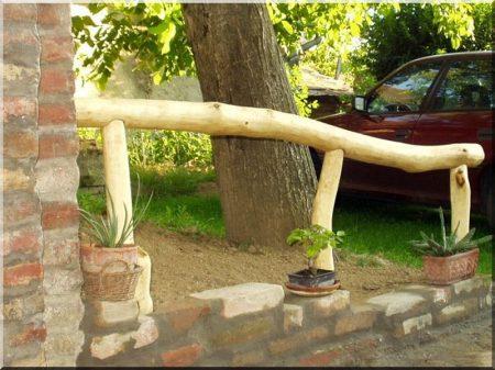 Acacia post without sap-wood