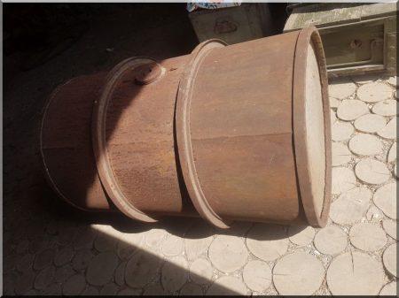 200 literes olajoshordó