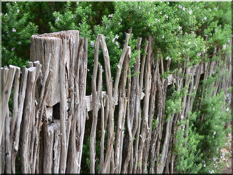 fonott vessz ker t s planches d 39 acacia vieux linteau grilles et pergolas pour les fleurs. Black Bedroom Furniture Sets. Home Design Ideas