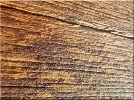 Sandblasting of antique wood