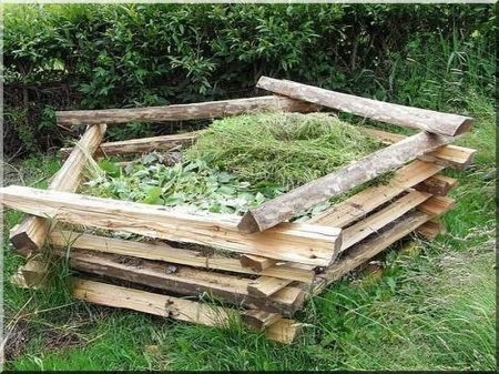 Composting place from split spruce