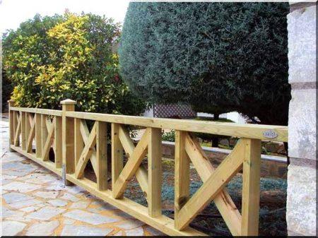 1,4 méteres fenyő kerítésoszlop