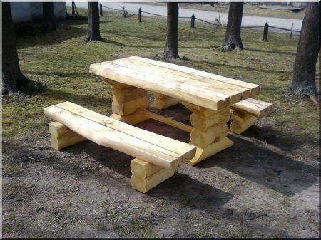 Rustic log furniture from locust