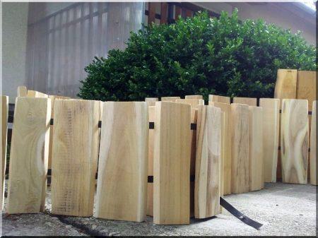 Rustic acacia garden border 25 cm high