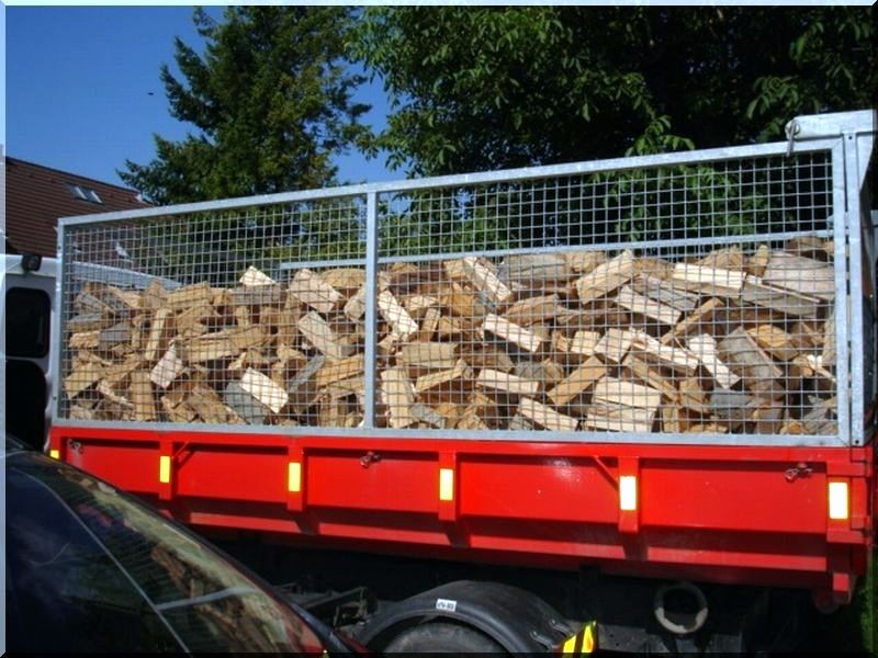 Ak c t zifa a termel t l planches d 39 acacia vieux for Acacia bois de chauffage