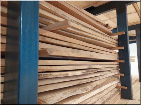 Elément de clôture d-acacia avec du bord, moyen