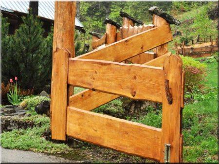 Plank fence Borov, 20 - 30 cm