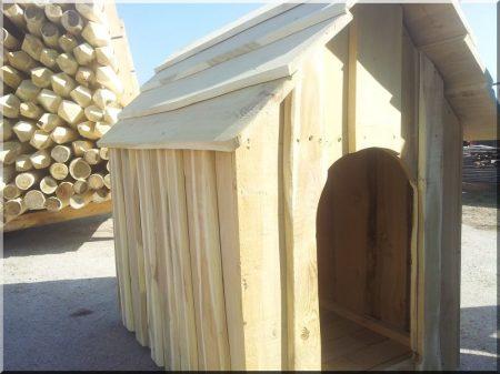 Locust dog-kennel size V