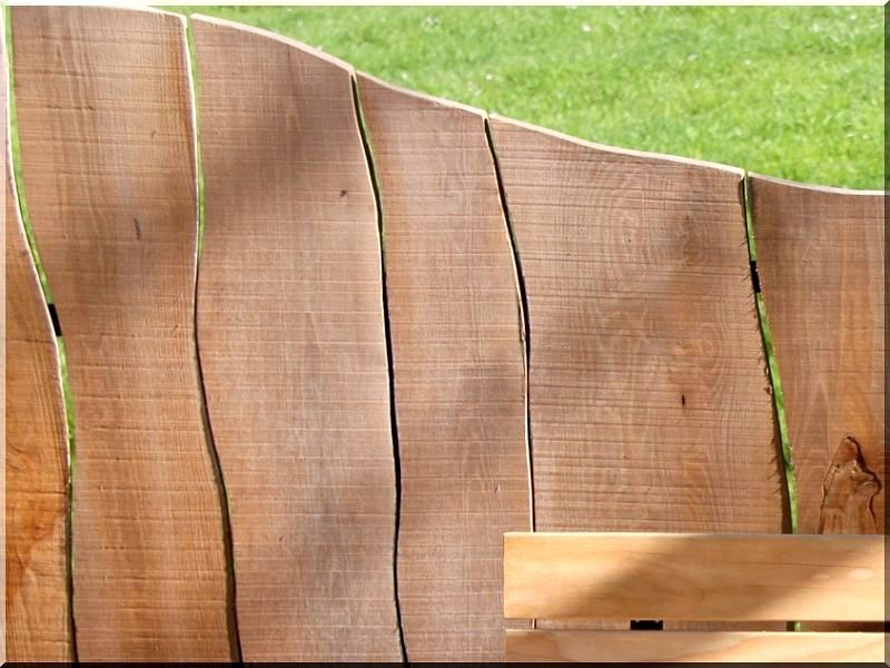 rustikale holzz une aus unbes umten erlenholzbrettern garteneinfassung. Black Bedroom Furniture Sets. Home Design Ideas