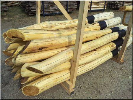 2,7 meters long buffed acacia post