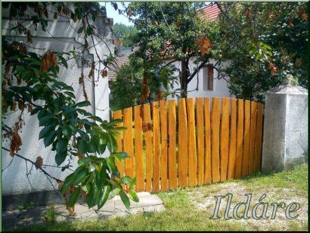 Clôture de planche d-acacia, rustique