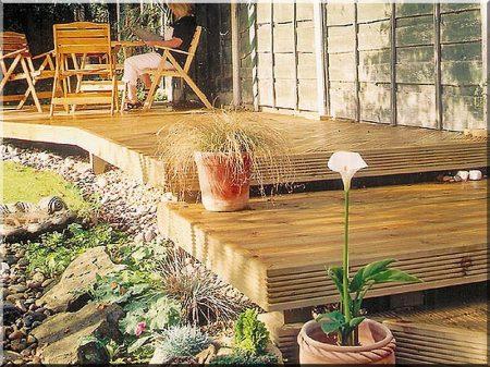 Planche de terrasse côtelée