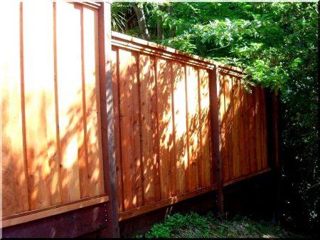 Closed fence panel