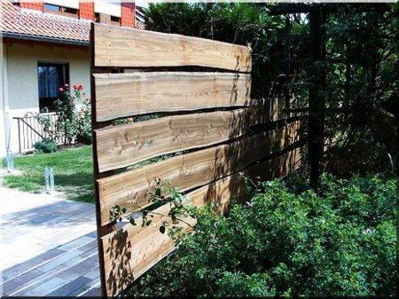 Planche de clôture en mélèze
